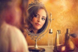 Mujer amadora de sí misma